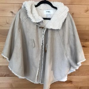 Cream hoodie poncho/cape with faux fur